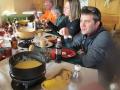 w_dampfendes-fondue-mit-special-brot-dae-isch-fuer-iigweihti