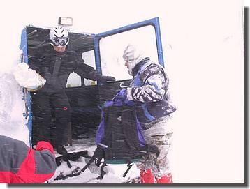 F-leichtes Schneetreiben beim Ausstieg auf der Grimsel