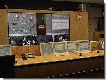 N_Kommandoraum mit Cheminee-TV-Programm