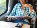 A_Die-Berichtschreiberin-auf-der-luxurioesen-Anreise