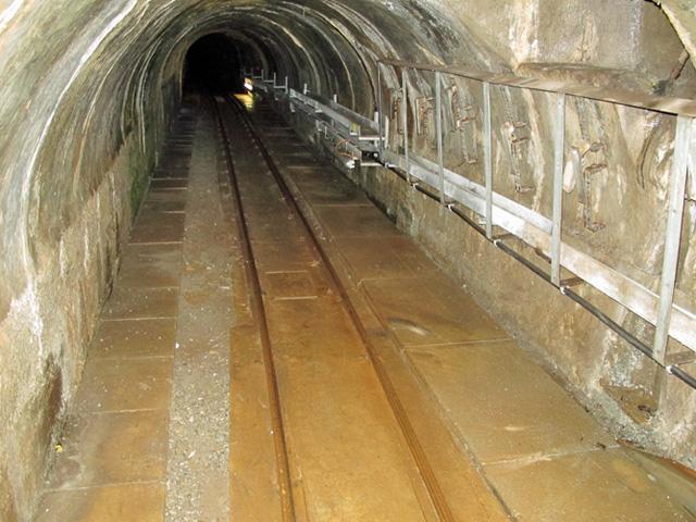 B_Tunnel-der-Stollenbahn-von-Guttannen-nach-Handeck
